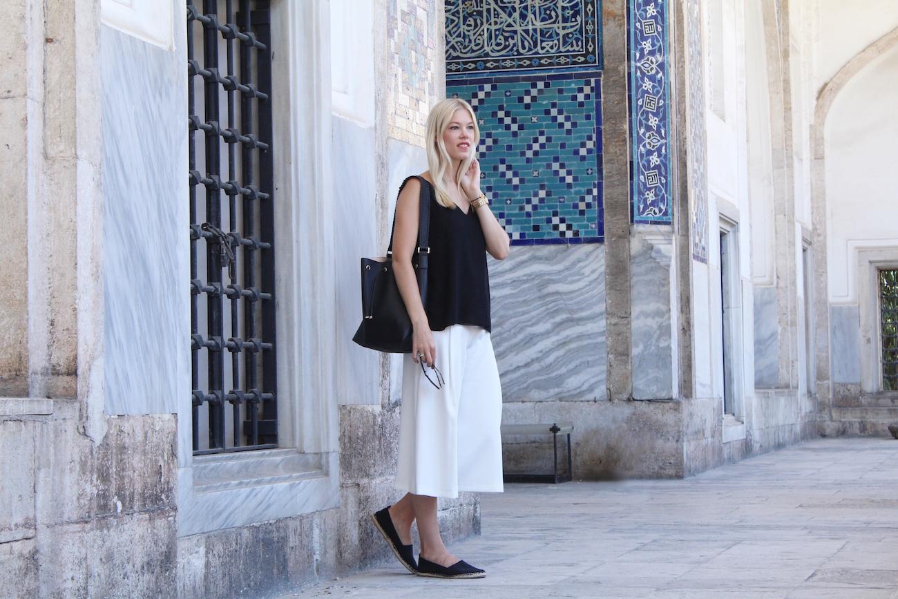 Zara-culottes-espadrilles-H&M-bucket-bag