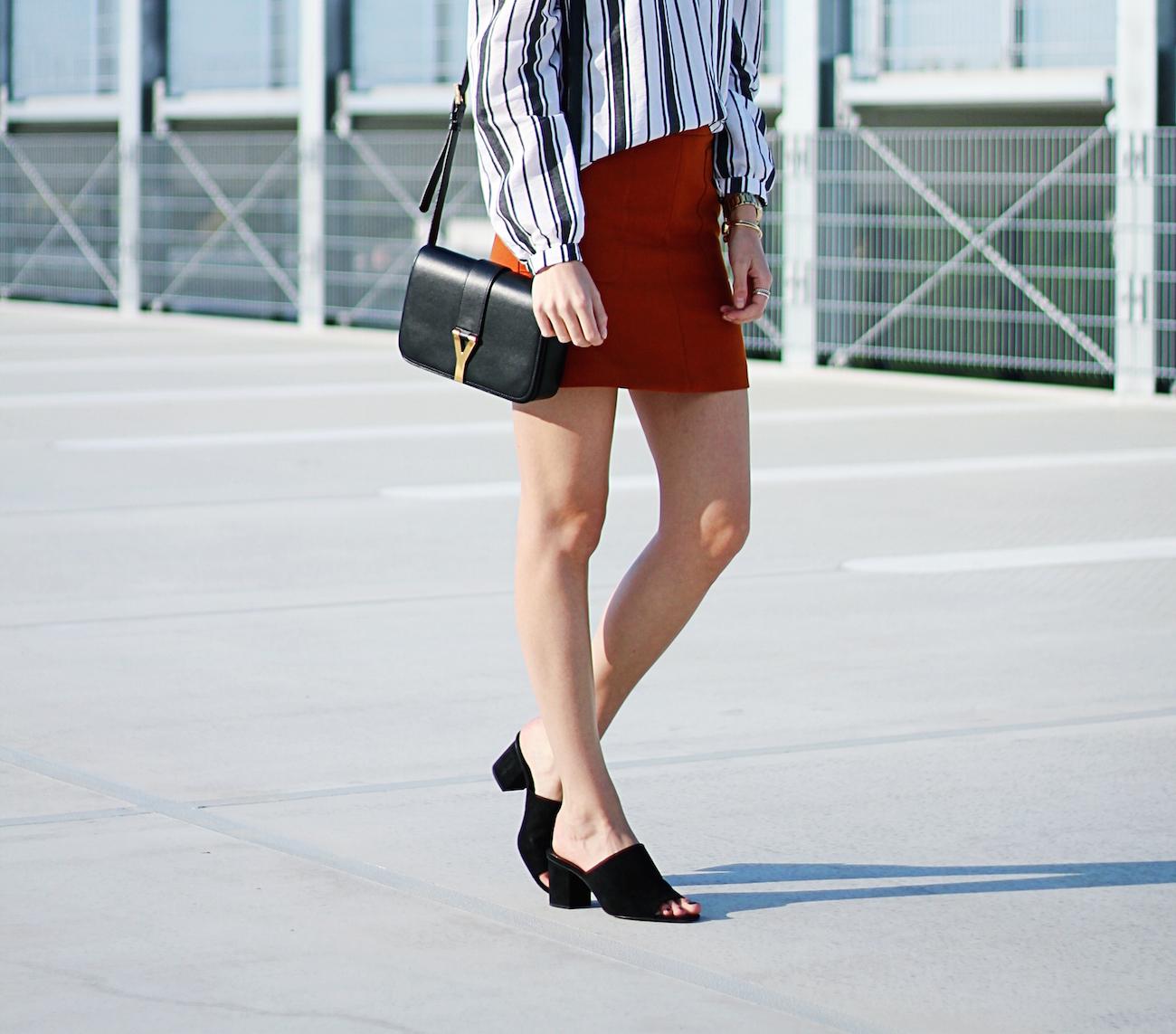 Asos-off-shoulder-blouse-stripes-orange-skirt-H&M-saint-laurent-bag8