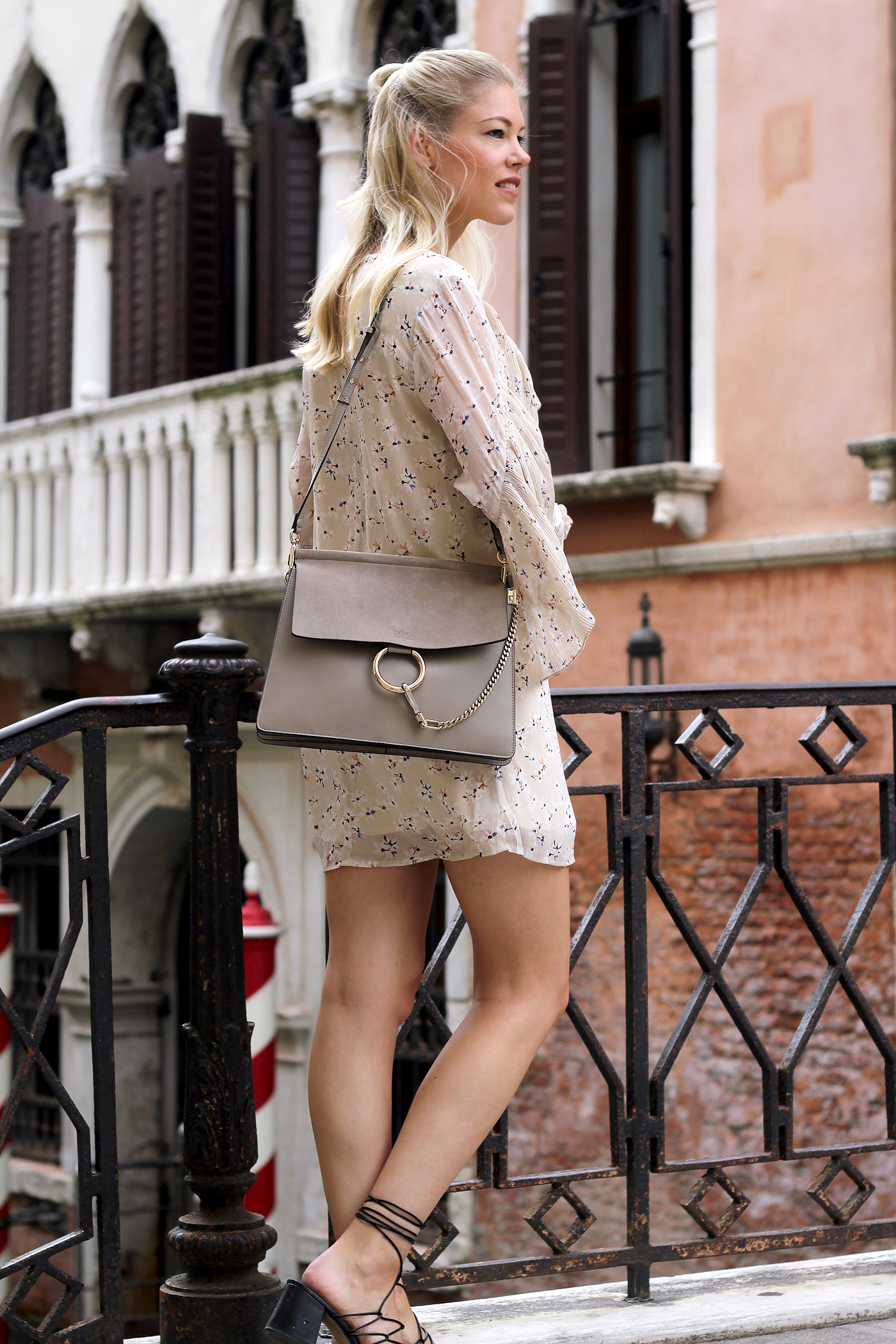 fashionblog_somehappyshoes_venedig_asos_kleid_flowerprint