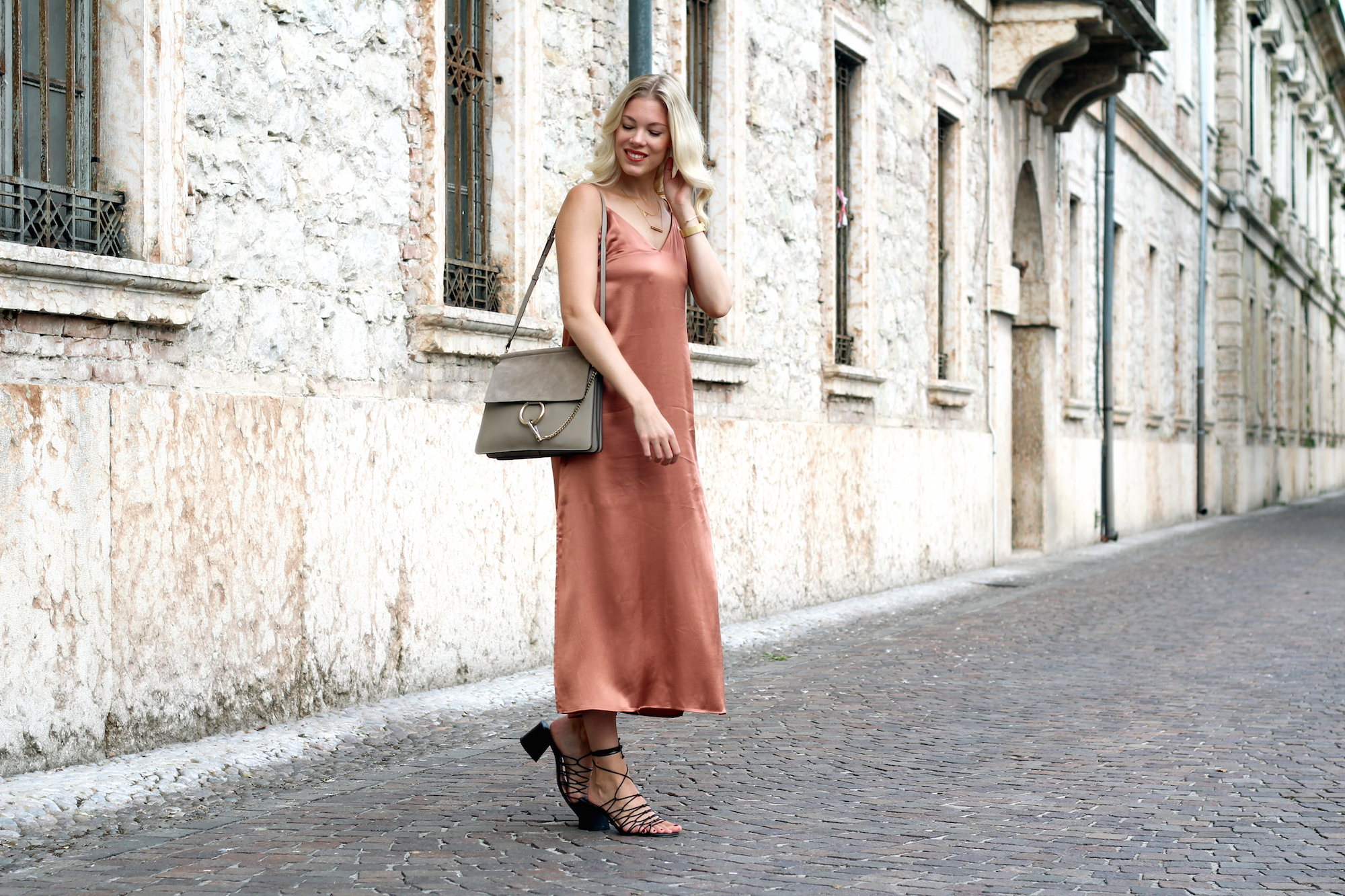 slip_dress_hm_rustyred_somehappyshoes