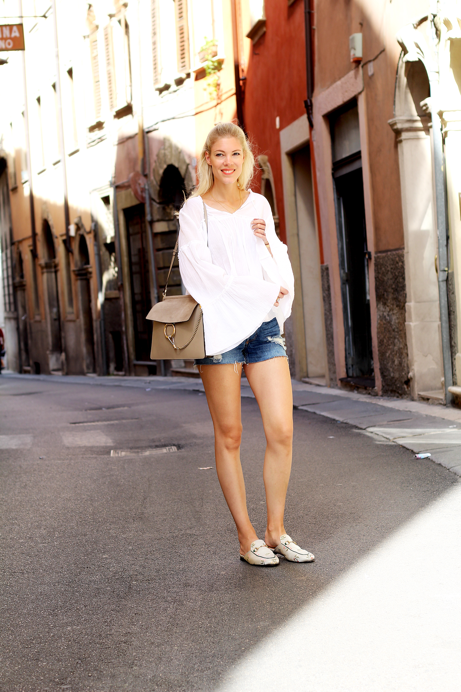 somehappyshoes_fashionblog_verona_look_chloe_hm_blouse