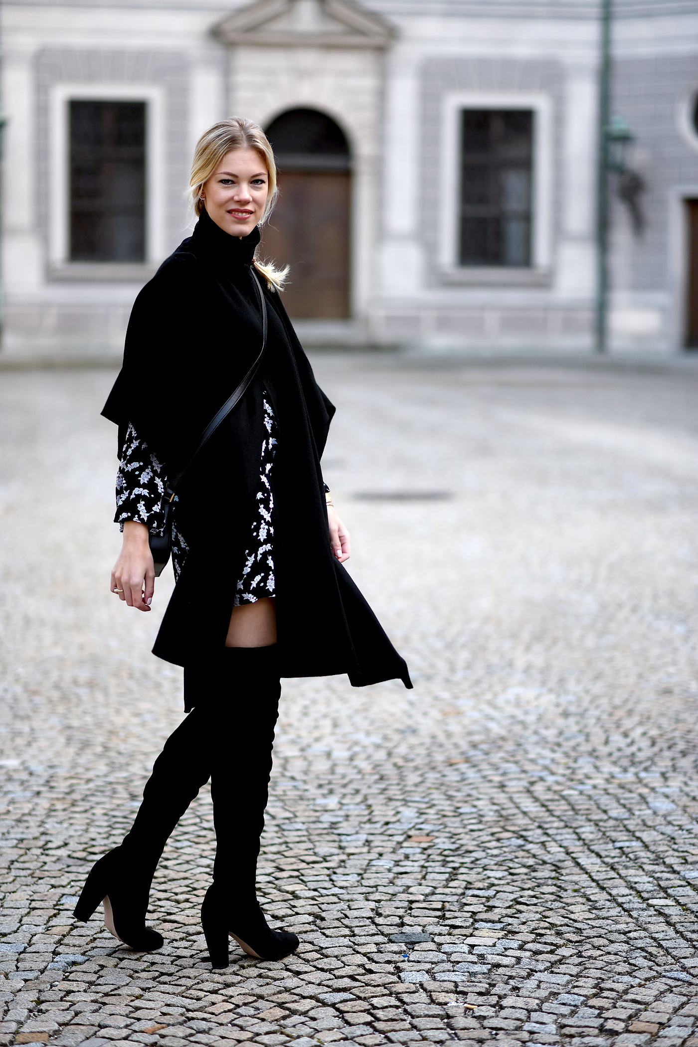 somehappyshoes_fashionblog_ganni_dress_overknees5