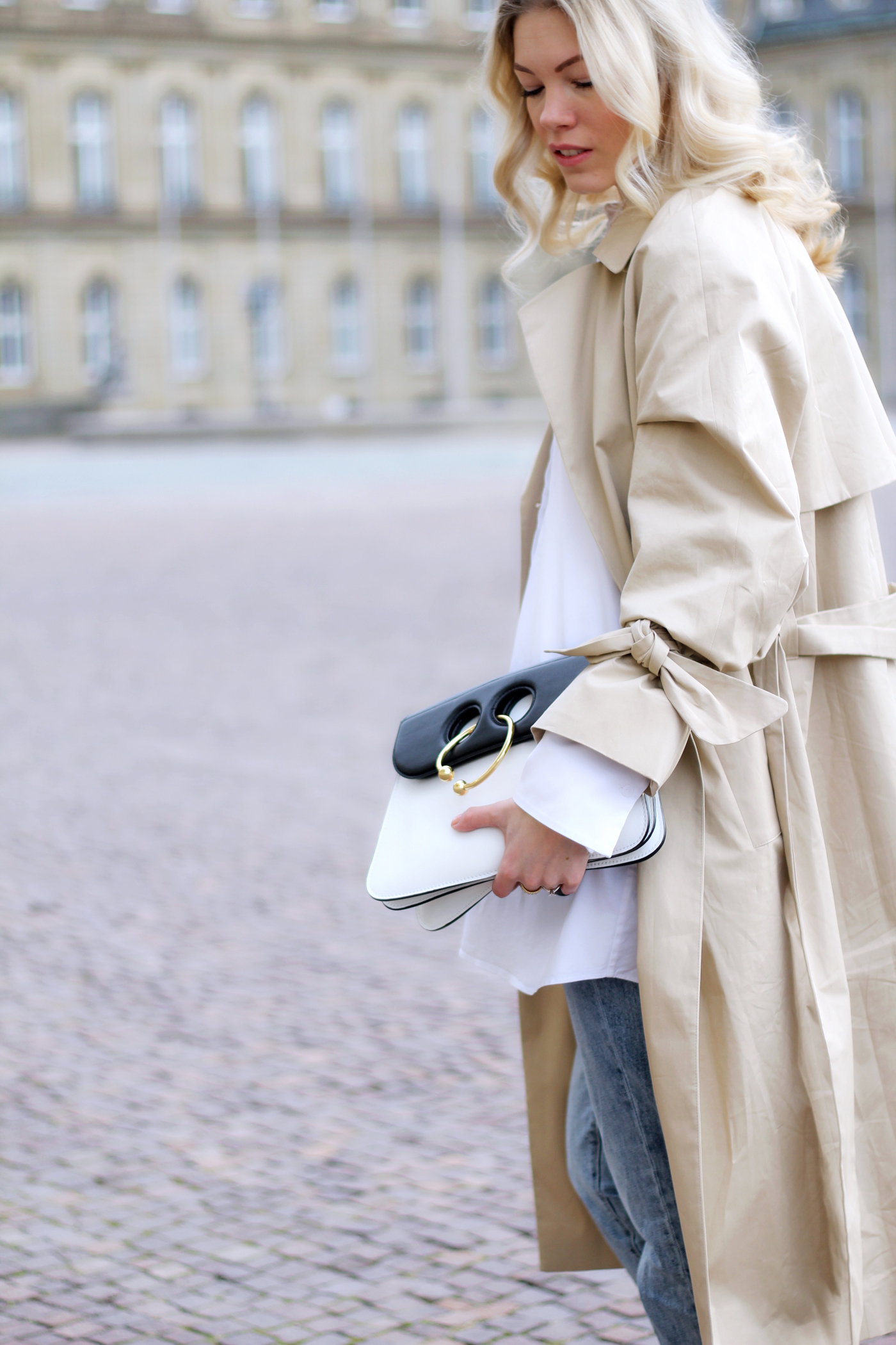 5 tips for cleaning out your closet & classic trench look