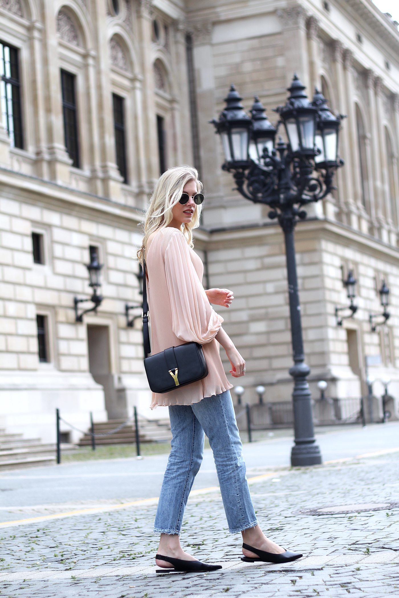 somehappyshoes_fashionblog_H&M_Jeans_saint_laurent_bag_Zara_nude_plisse_blouse9