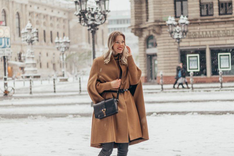Camel cape & chunky knit – Frankfurt