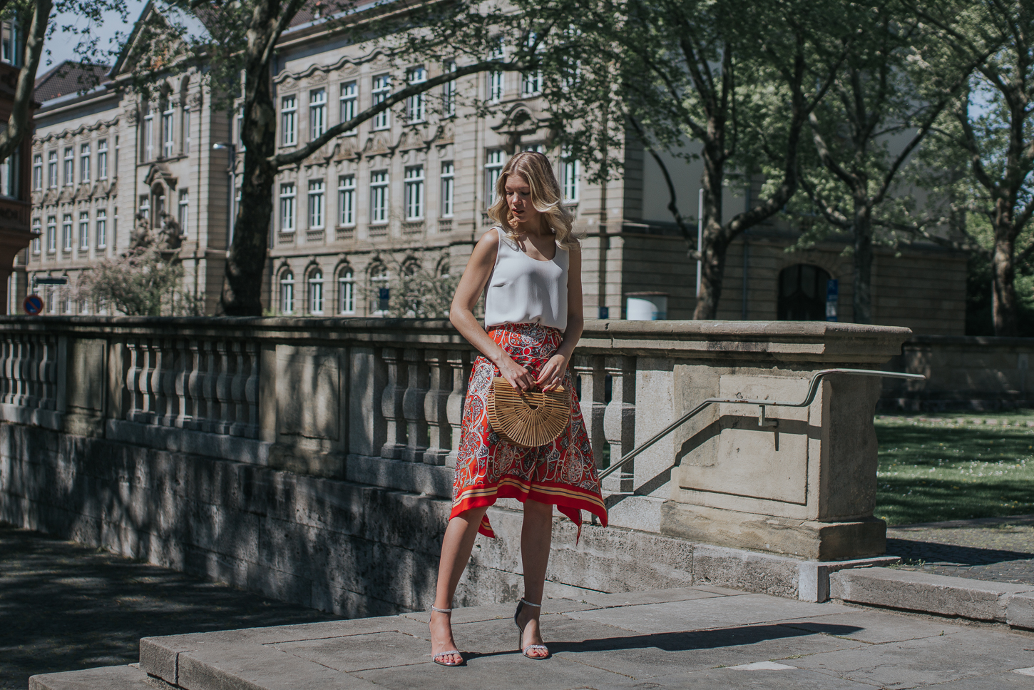 2 Easy to re-style Sommerlooks mit Statement-Schuhen