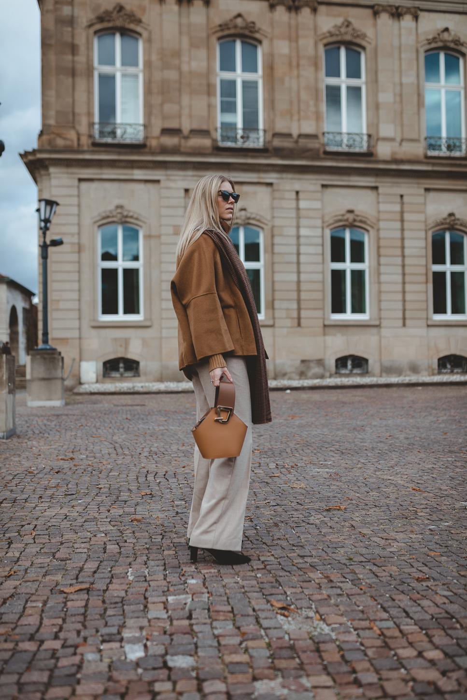 Danse_Lente_Camel_coat_Zara_street_style