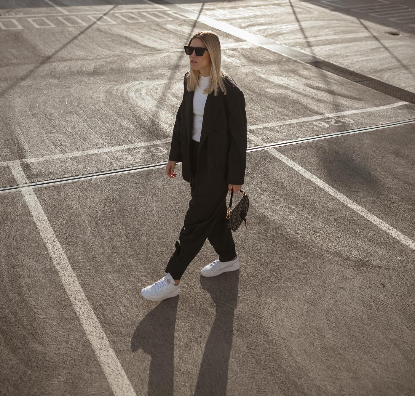 Sneakers-Anzug-modeblog-Düsseldorf-Dior-Saddle-bag