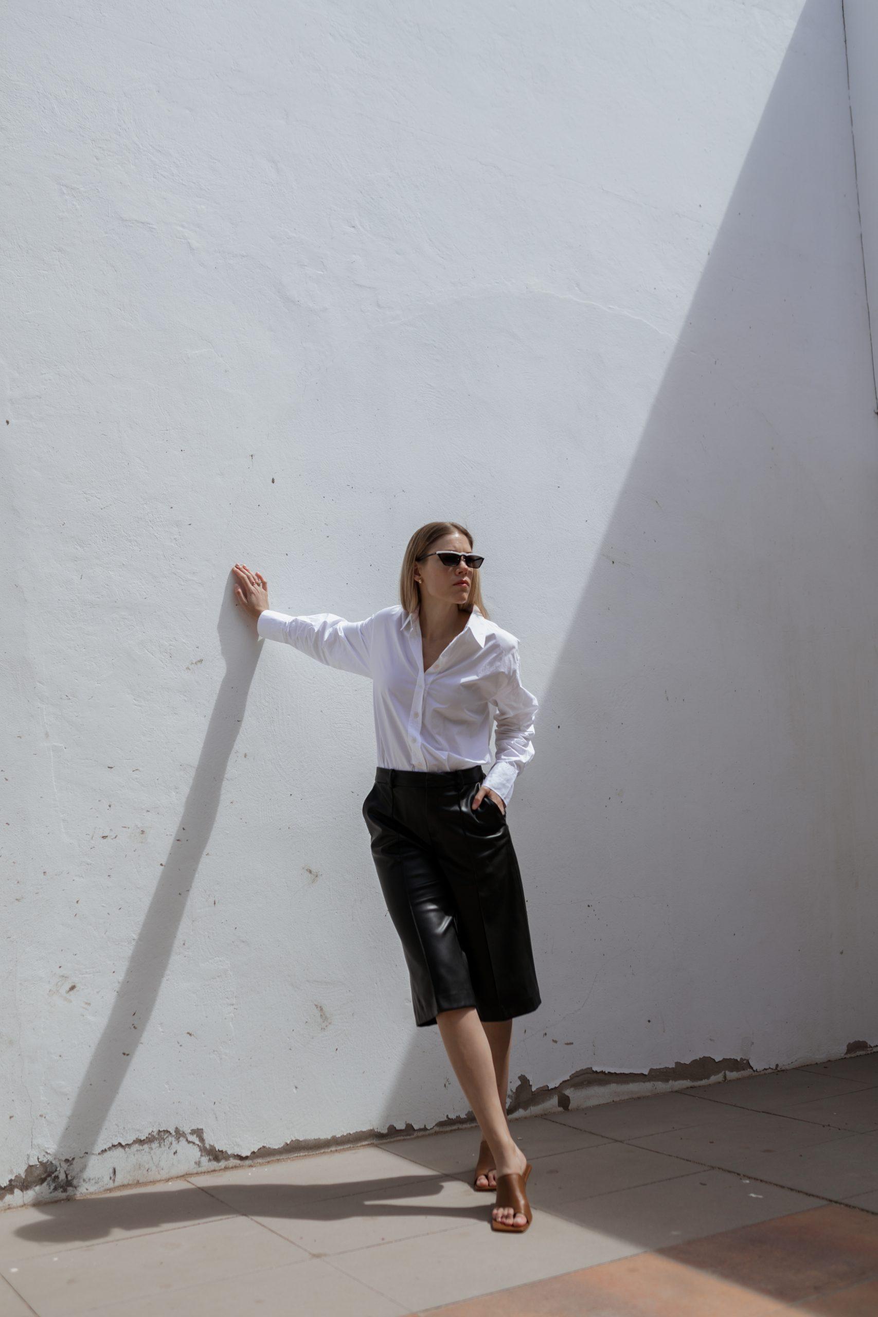 white-blouse-leatherculotte-fuerteventura-3