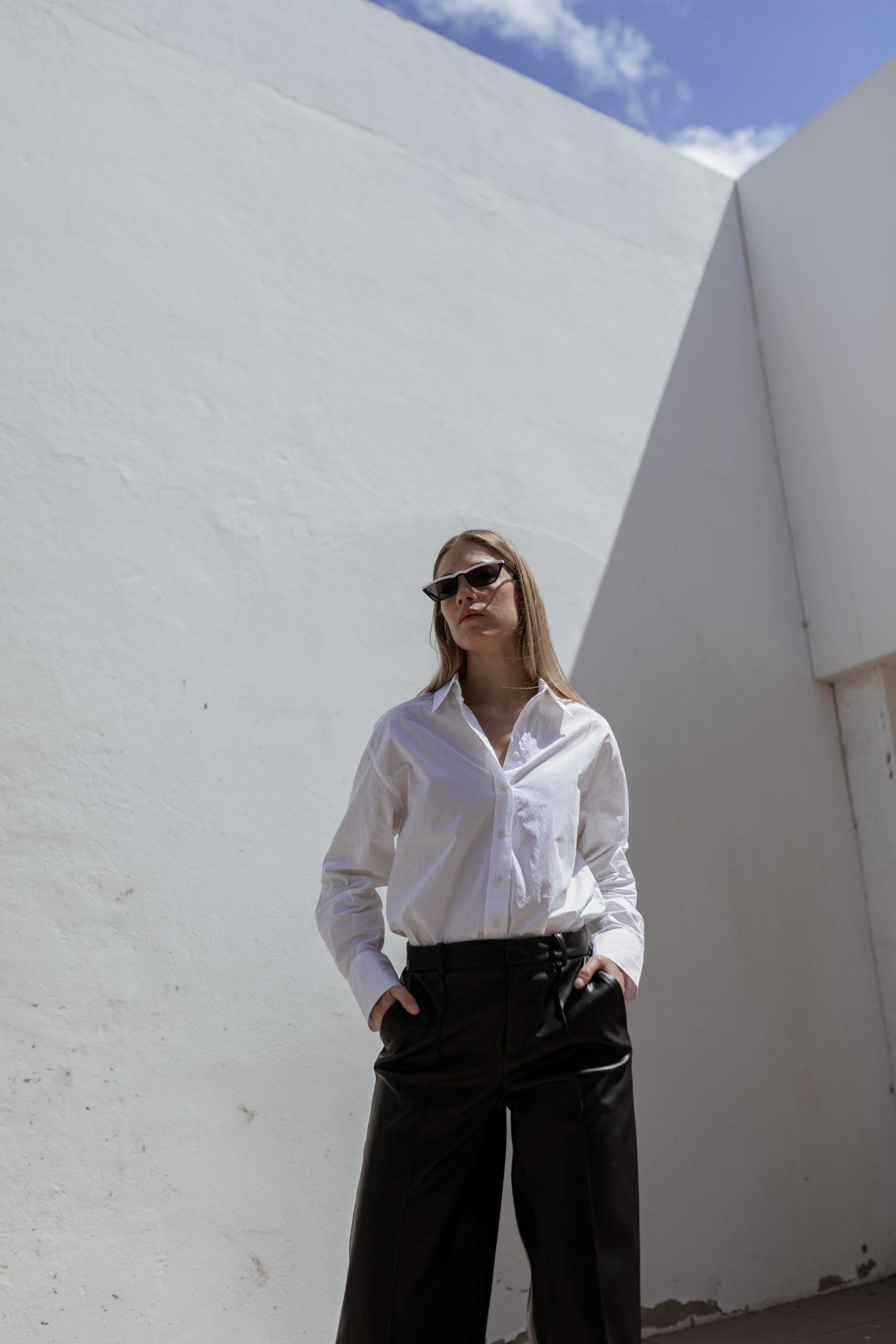 white-blouse-leatherculotte-fuerteventura-6
