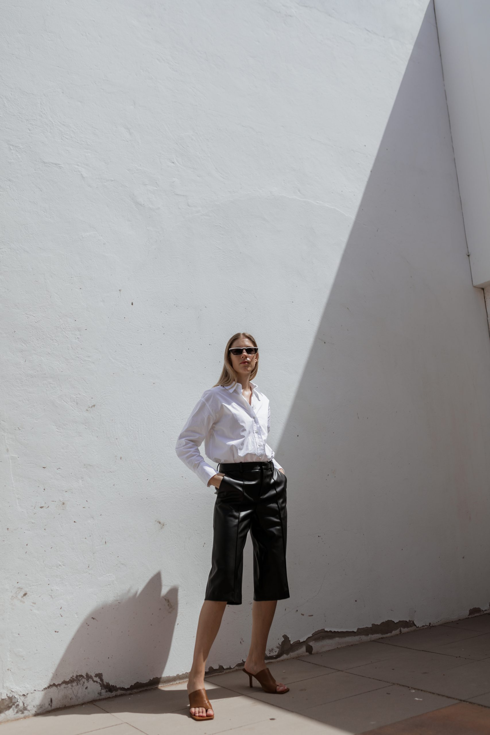 white-blouse-leatherculotte-fuerteventura